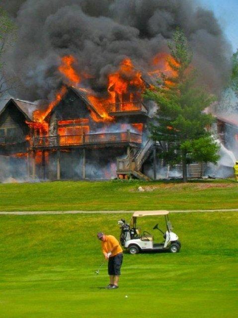 http://www.golfbytourmiss.com/2012/07/golf-a-study-in-concentration-despite-a-blazing-house-fire/